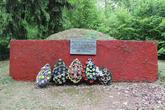 Братская могила  д. Новы Двор 5512